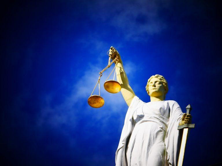 beeld vrouwe justitia